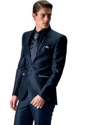 sito affidabile 22bb8 caf3a Blu scuro maschile-due + seta camicia + cravatta con una spilla