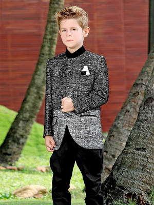 El A Chaqueta Niño Negro Para 16 Un Traje De Dos Años Montar 2 Pantalones rqCxr1ZwP