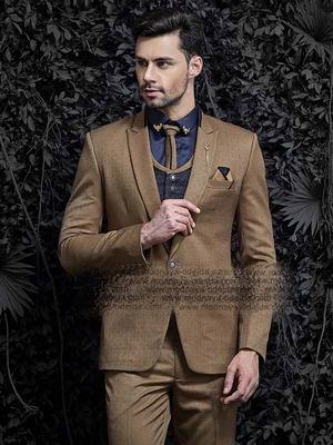 ff379f85b256 Καφέ android κοστούμι-τρόικα (με ένα γιλέκο) + μπλε πουκάμισο με γραβάτα