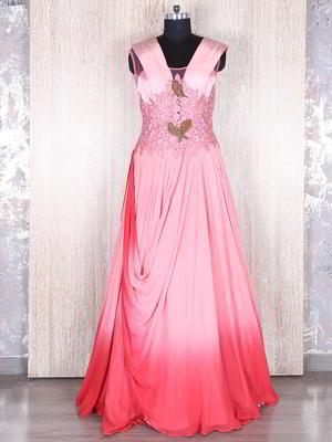35ab9d9eb4 Exkluzív rózsaszín, hosszú ruha, ujjatlan, díszített sodrott selyem,  gyöngyök