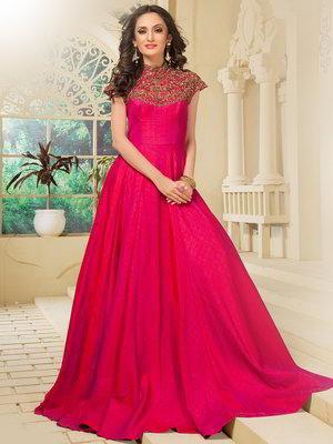 62b495e035 Długa sukienka w podłogę z jedwabiu w kolorze fuksji
