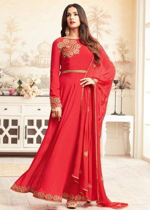 c104ba1968ed Κόκκινο μακρύ φόρεμα στο πάτωμα από κρέπα-жоржета