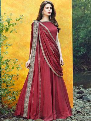 newest d18f9 359ad Dunkel-rotes langes Kleid ärmellos