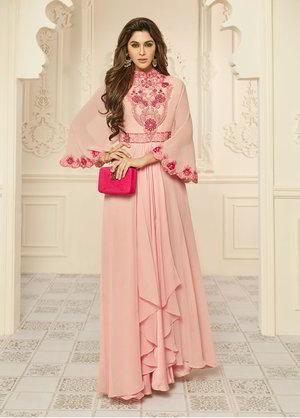 cbb6abb820 Halvány rózsaszín, hosszú ruha, a krepp, Georgette, hímzéssel díszített,  kézzel készített elemek