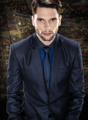 Тёмно-синий деловой мужской костюм ...: www.modnaya-odejda.com/pt/tyomno-siniy_delovoy_muzhskoy_kostyum...