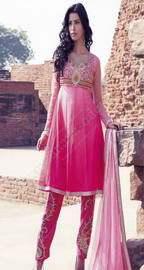 Индийская женская одежда, 32359 моделей (фото + цены)