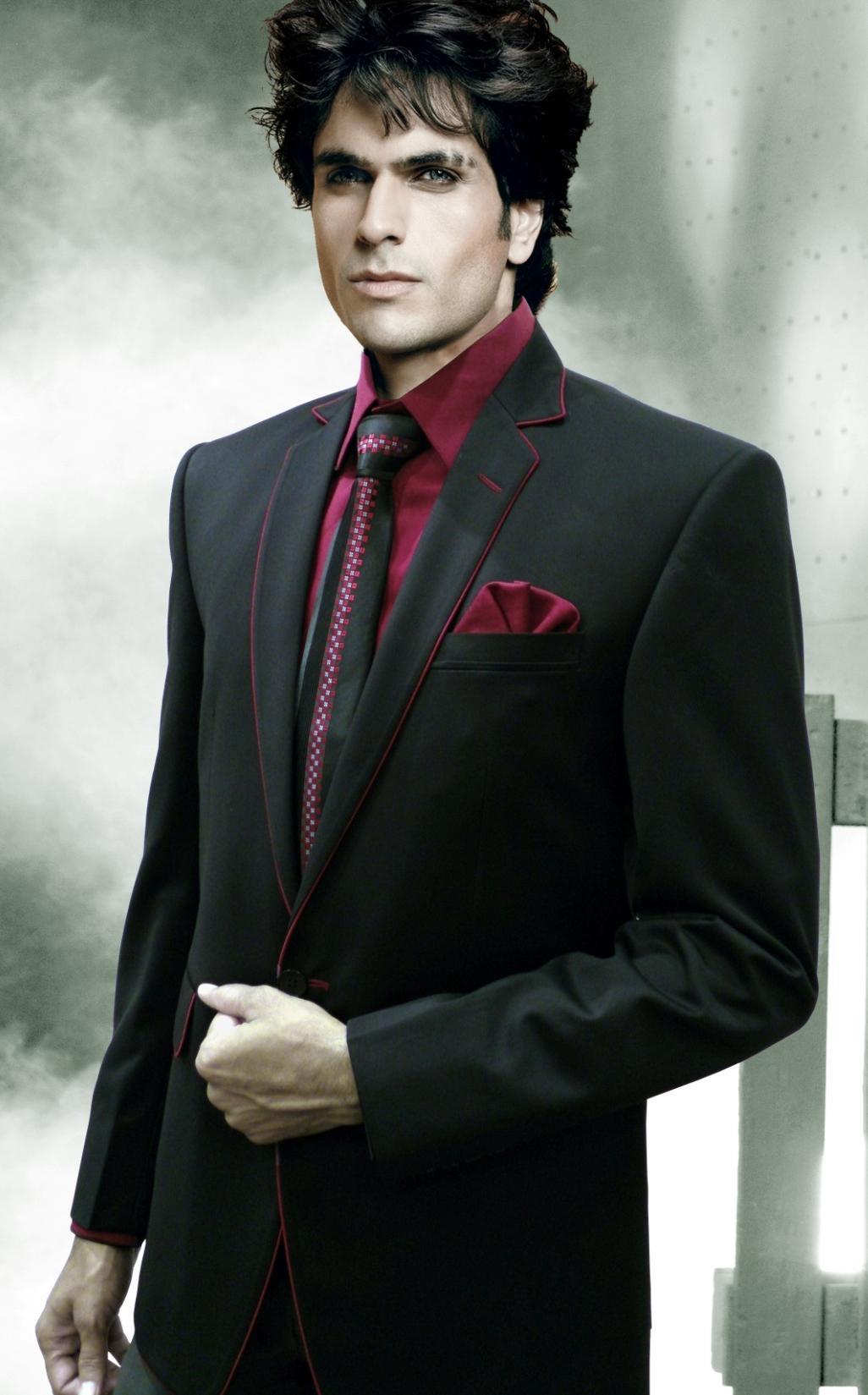Noir costume homme de mariage ii couleur des cerises chemise cravate - Costume noir chemise noir ...